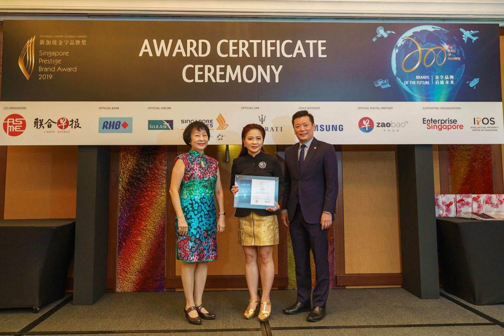 106-SA902690-2019-award-certificate-ceremony