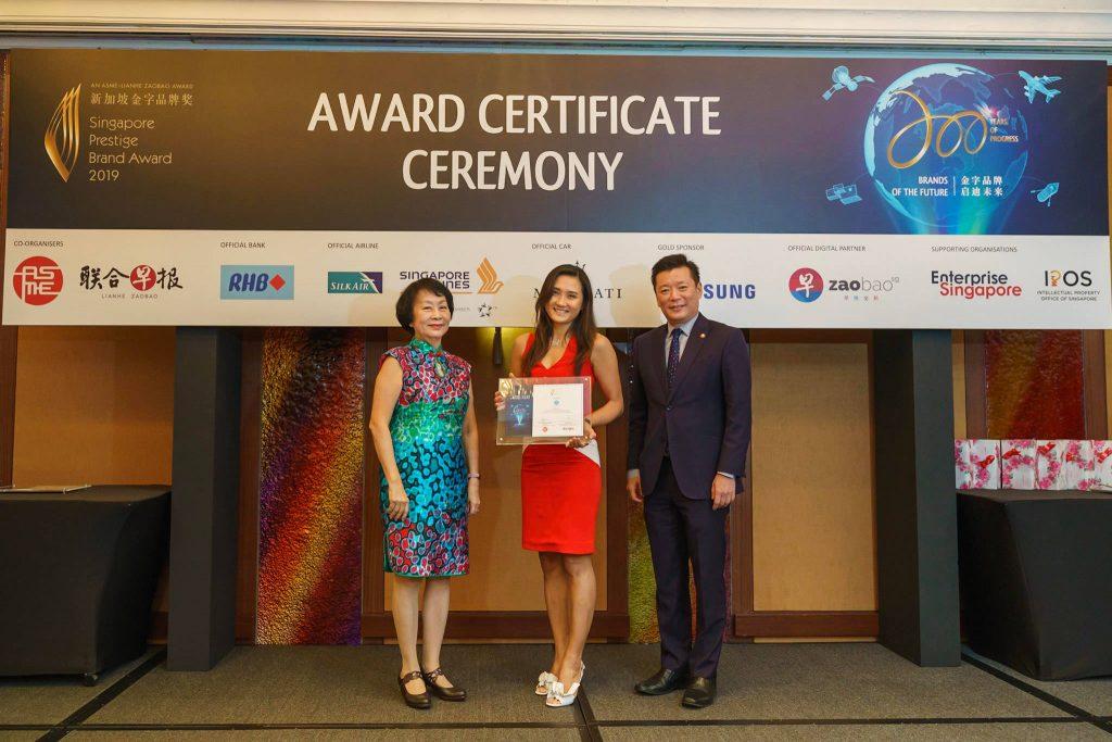 114-SA902719-2019-award-certificate-ceremony