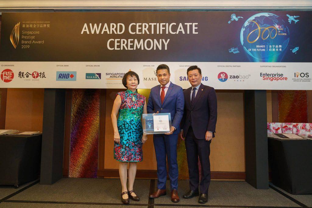 85-SA902627-2019-award-certificate-ceremony