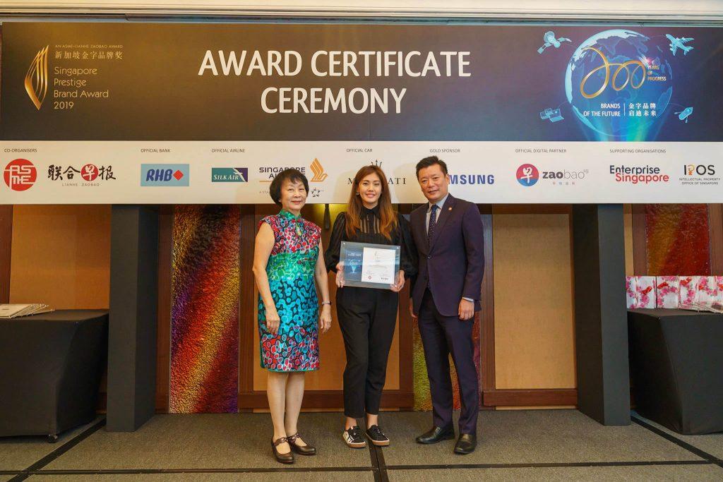 92-SA902649-2019-award-certificate-ceremony